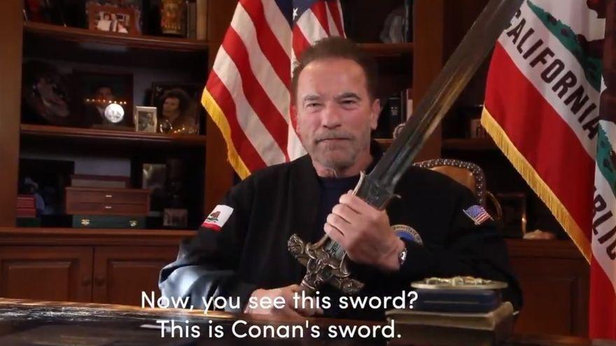 Fragment del vídeo que Arnold Schwarzenegger ha penjat en el seu canal de Twitter