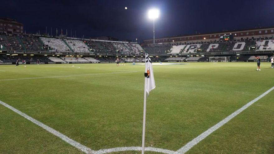 Imatge de l'estadi de Castàlia a peu de camp