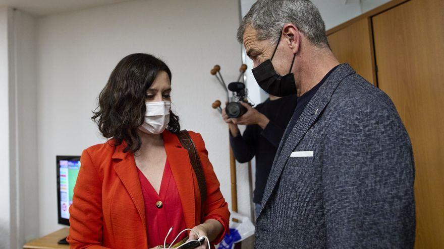 Imatge d'arxiu de la presidenta de la Comunitat de Madrid, Isabel Díaz Ayuso, i el director de l'Oficina de l'Espanyol, Toni Cantó