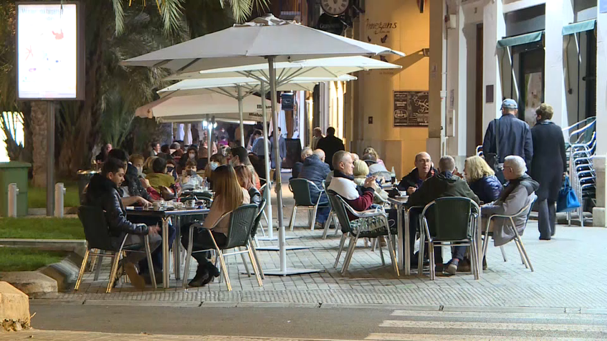 Imatge d'arxiu d'una terrassa al centre de València