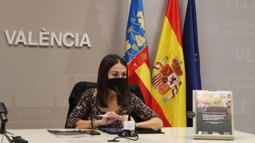 Ana Domínguez en la presentació de l'estudi sobre polítiques públiques de joventut / Ajuntament de València