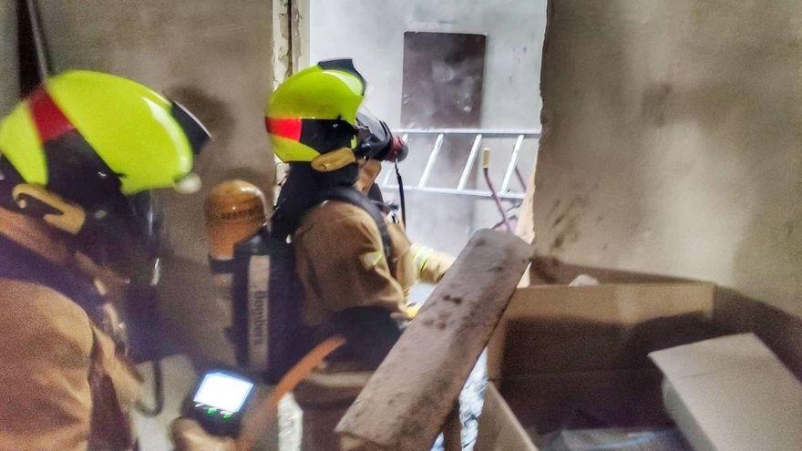 Els bombers de la Diputació d'Alacant en una intervenció recent