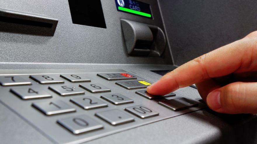 Els estafadors volen obtindre les dades de les targetes dels clients