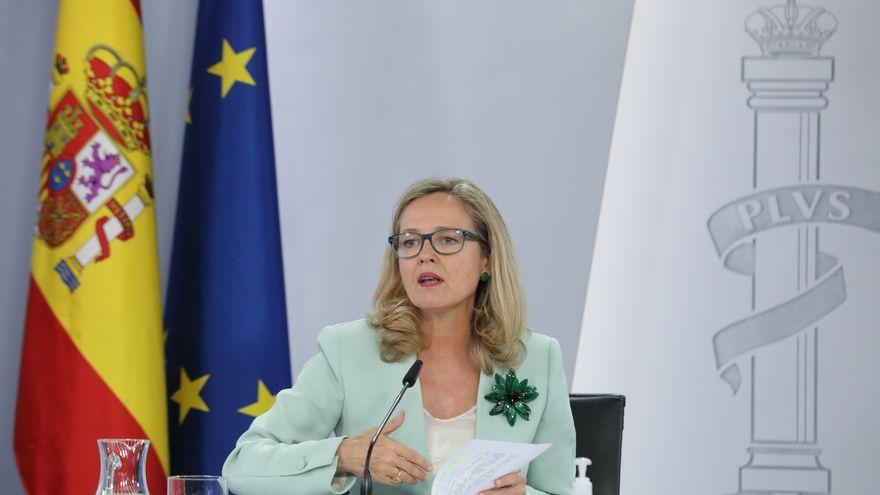 La vicepresidenta primera del govern espanyol, Nadia Calviño, en la roda de premsa posterior a la reunió del Consell de Ministres
