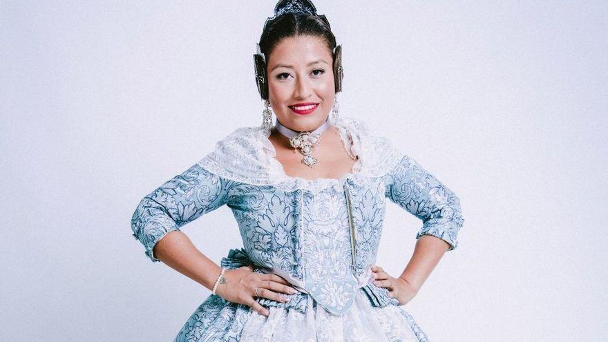 Mayu Ruiz Bustamante, fallera de la comissió Portal de la Valldigna i candidata a fallera major 2022