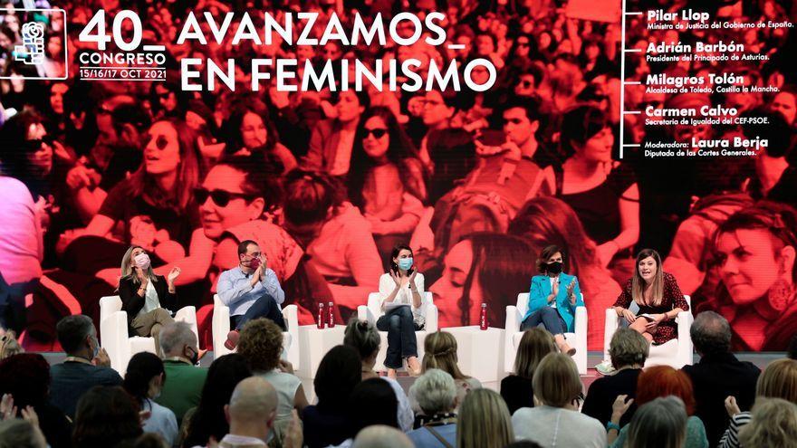 """La taula redona """"Avancem en feminisme"""", amb la presència de l'exvicepresidenta Carmen Calvo, la primera jornada del 40é Congrés Federal del PSOE"""