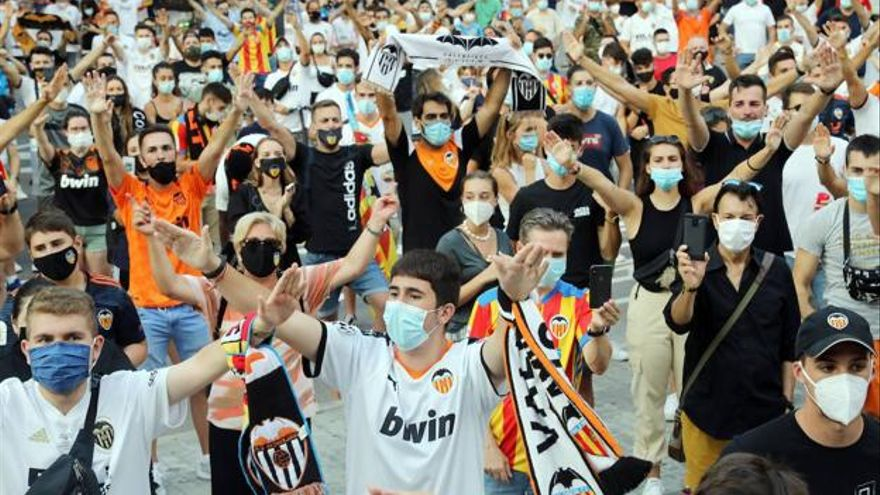 Un dels punts de vacunació estarà als exteriors de Mestalla, on diumenge juguen el València i el Reial Madrid