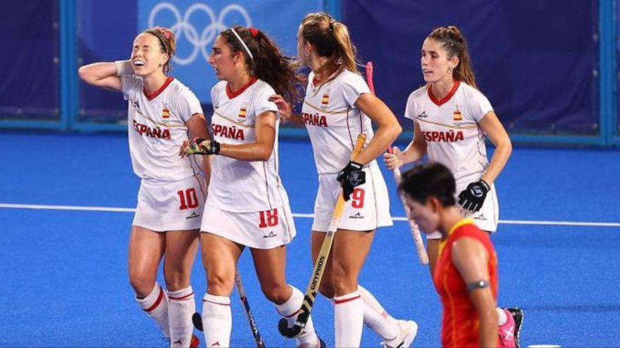 La selecció femenina d'hoquei guanya la Xina i pensa en els quarts de final