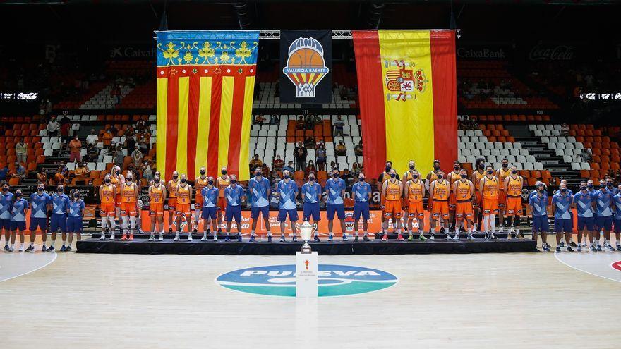 Presentació de les plantilles masculina i femenina del València Basket, a la Fonteta