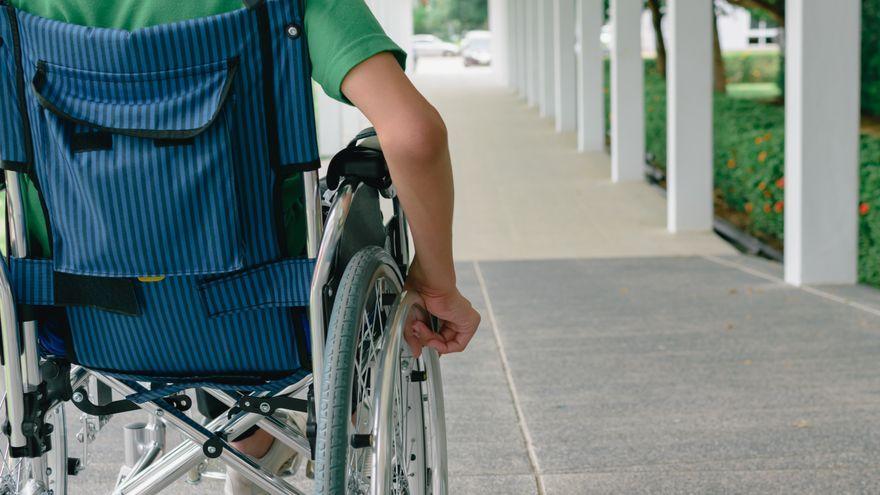 Moltes persones amb atàxia necessiten cadira de rodes per a desplaçar-se