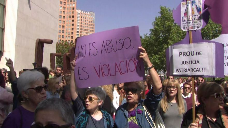 Mobilització de la Coordinadora Feminista de València en protesta contra la violència masclista