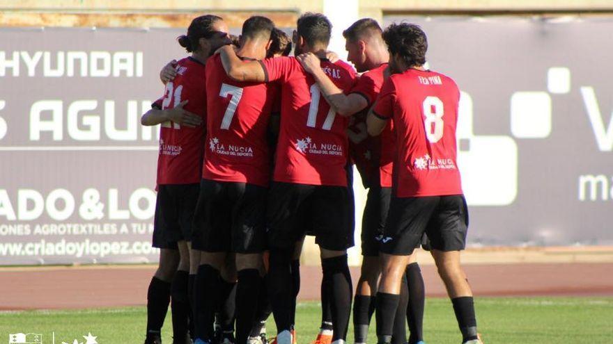 Els jugadors de La Nucia celebren el gol