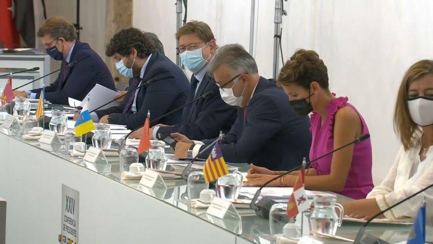 Alguns dels presidents autonòmics en la cimera d'aquest divendres a Salamanca