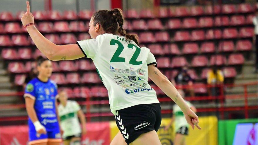 Bitolo celebra un gol
