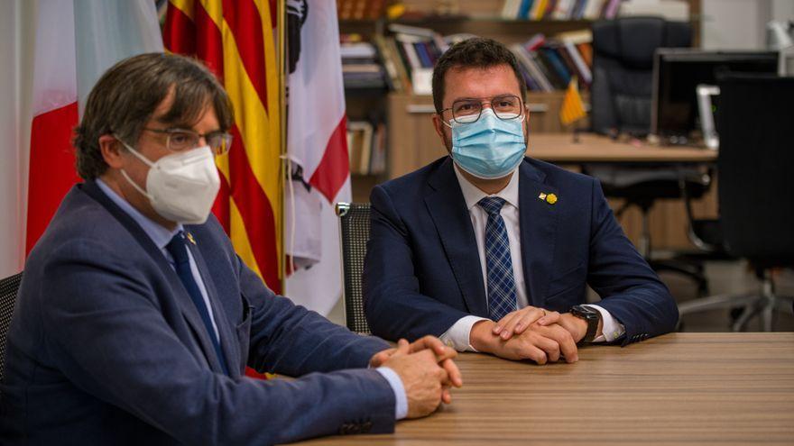 L'expresident de la Generalitat de Catalunya, Carles Puigdemont i el president actual, Pere Aragonès, reunits a l'Alguer