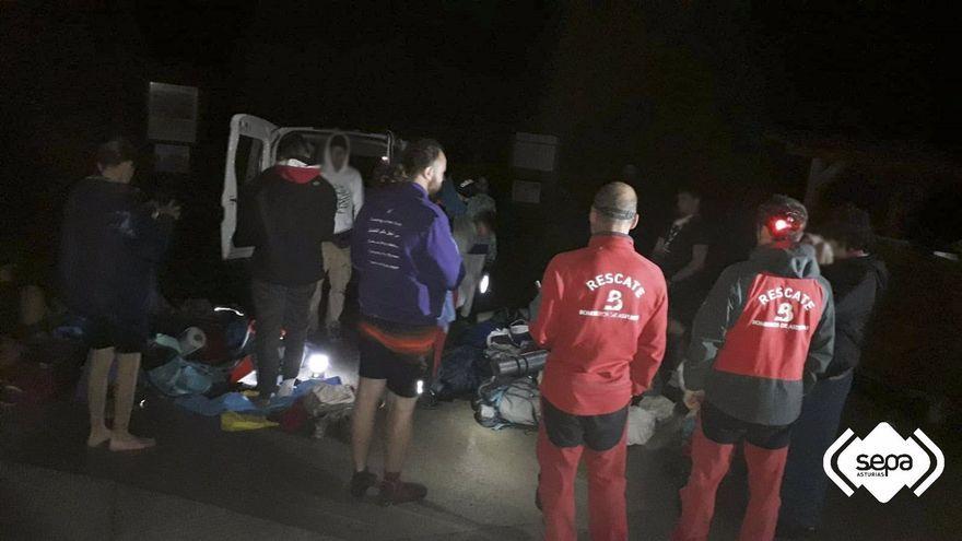 Moment del rescat del grup 'scout' alacantí a Covadonga