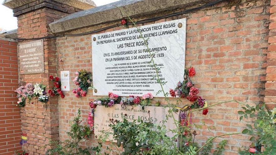 Monument en homenatge a les Tretze Roses al cementiri de l'Almudena a Madrid