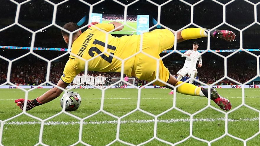 Penal d'Álvaro Morata que va parar el porter italià Donnarumma