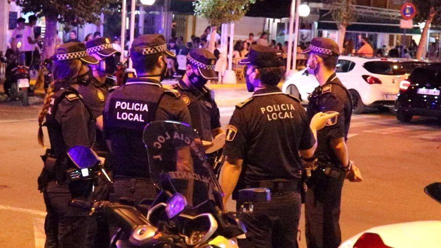 Operatiu de la Policia Local d'Alacant per a controlar l'ús obligatori de mascaretes