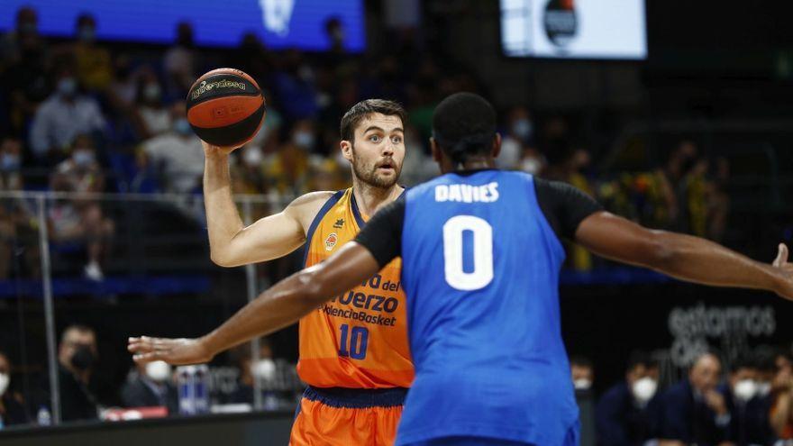 El jugador del València Basket, Mike Tobey
