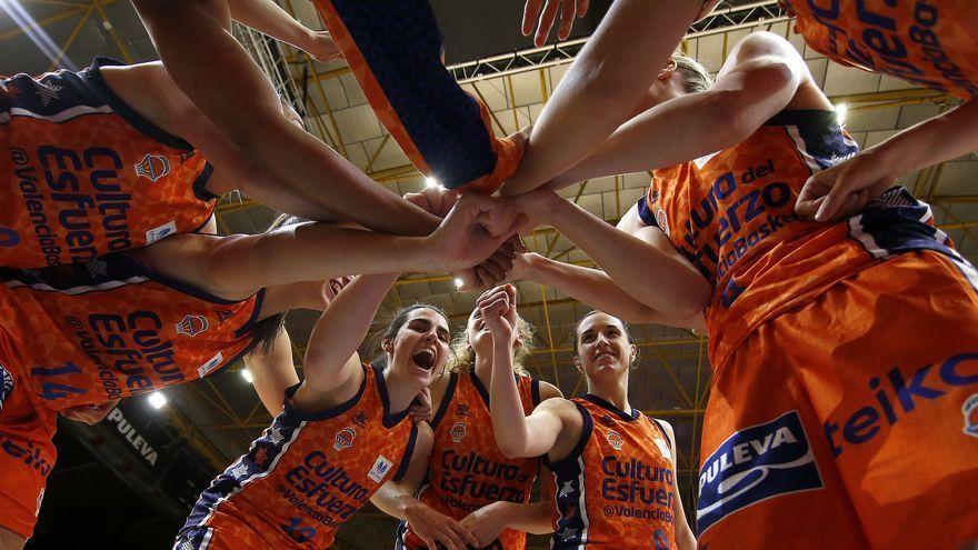 Les jugadores del València Basket, en un partit de la temporada 2020-2021