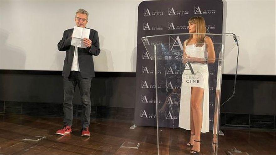 El director de l'acadèmia de cine d'Espanya, Mariano Barroso, i l'actriu Verònica Echegui desvelen les cintes candidates