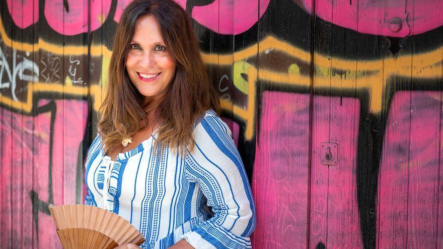 Amàlia Garrigós dirigeix i presenta el nou magazín radiofònic 'Les cinc llunes'