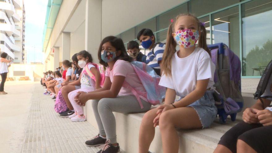 S'estudia l'ús de mascareta en escoles i patis