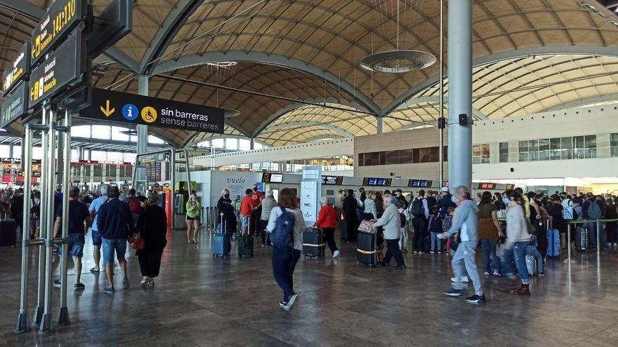 Una imatge d'aquest dijous de l'aeroport d'Alacant-Elx