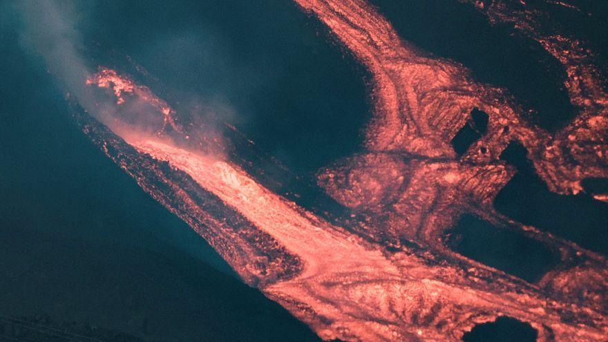 Moment en què una nova boca s'obri a la part inferior del con secundari del volcà de La Palma