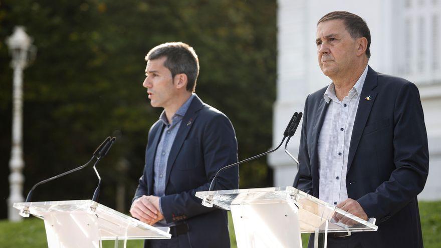 El coordinador general d'EH Bildu, Arnaldo Otegi, i el secretari general de Sortu, Arkaitz Rodríguez