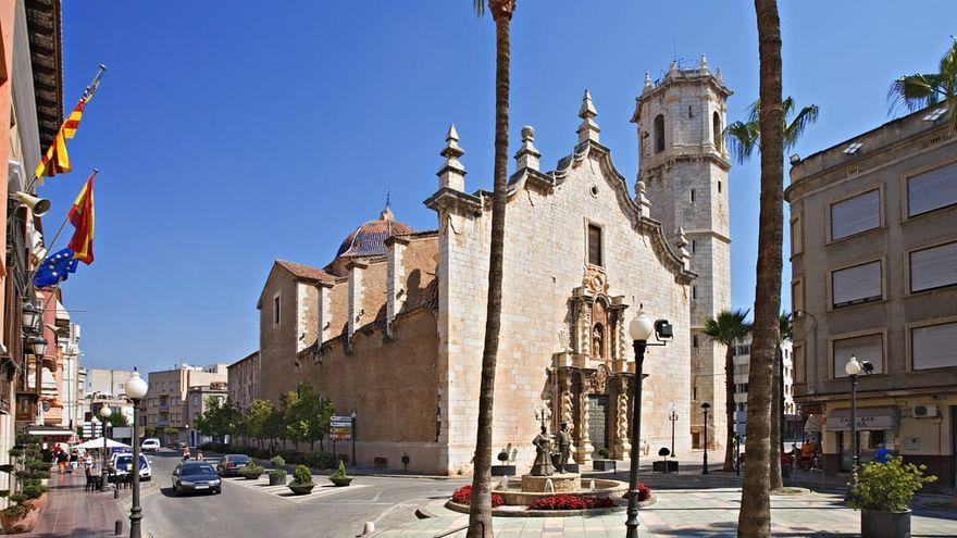 Imatge de l'esglesia i del campanari de Benicarló