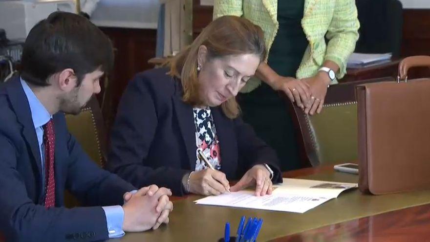 La presidenta del Congrés en funcions i diputada del PP per Pontevedra, Ana Pastor, primer diputada a acreditar-se
