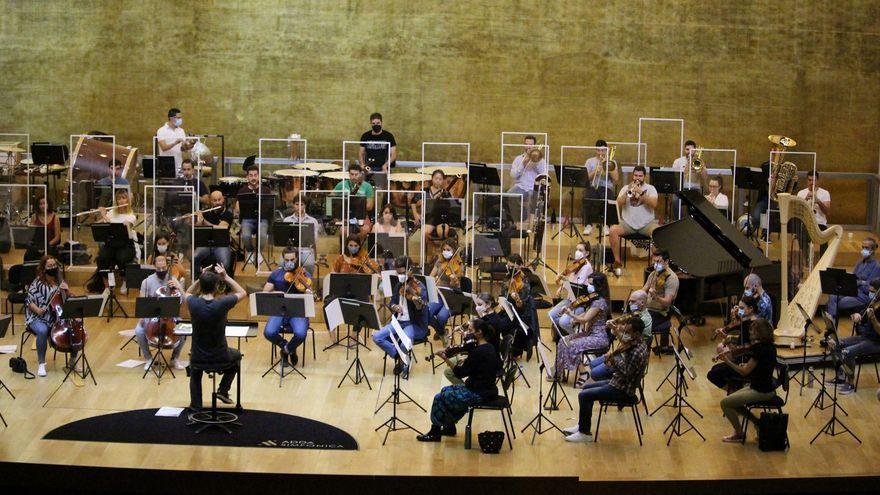 L'ADDA Simfònica assaja l'espectacle 'Músiques de llum'