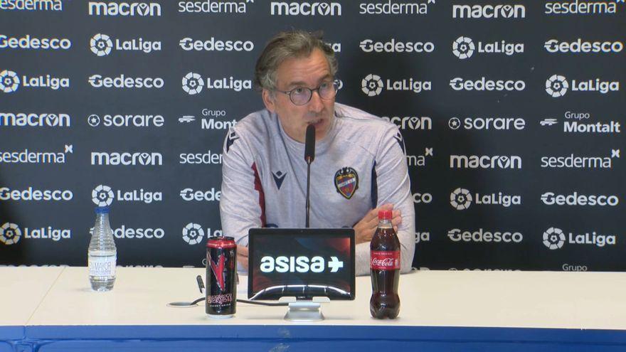 L'entrenador del Llevant, Javier Pereira