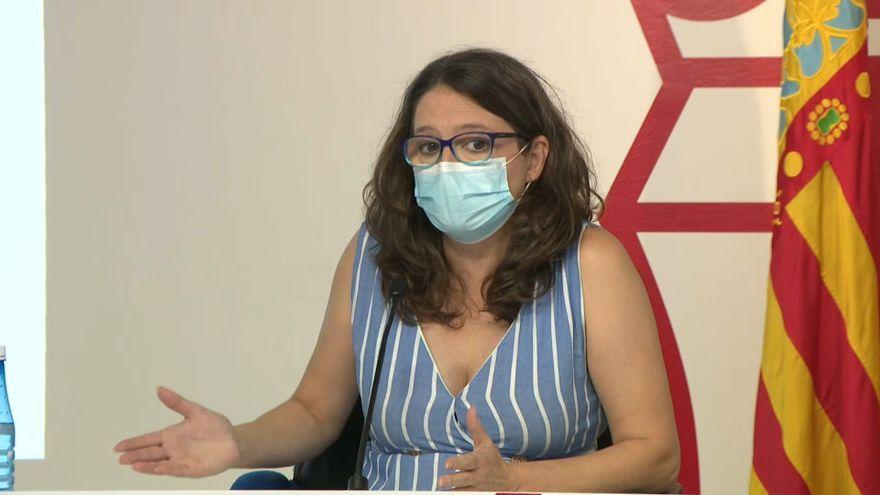 La vicepresidenta del Consell, Mónica Oltra, en la compareixença davant la premsa aquest divendres