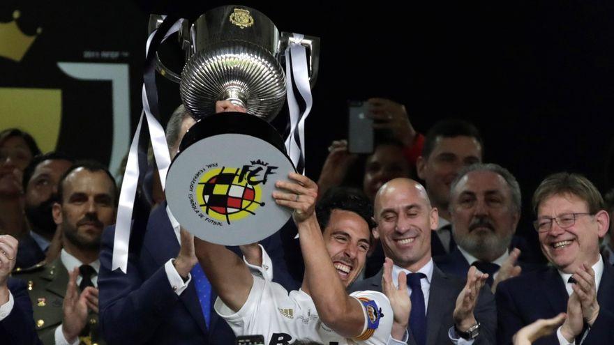Parejo celebra la victòria del València CF