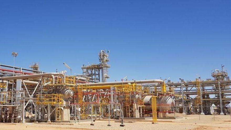 Instal·lacions de gas a Algèria, en una imatge d'arxiu