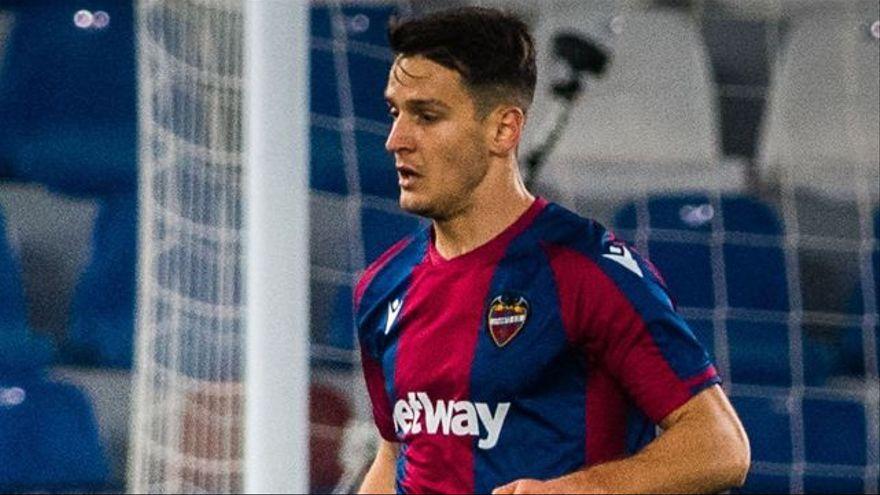 El futbolista del Llevant Nemanja Radoja