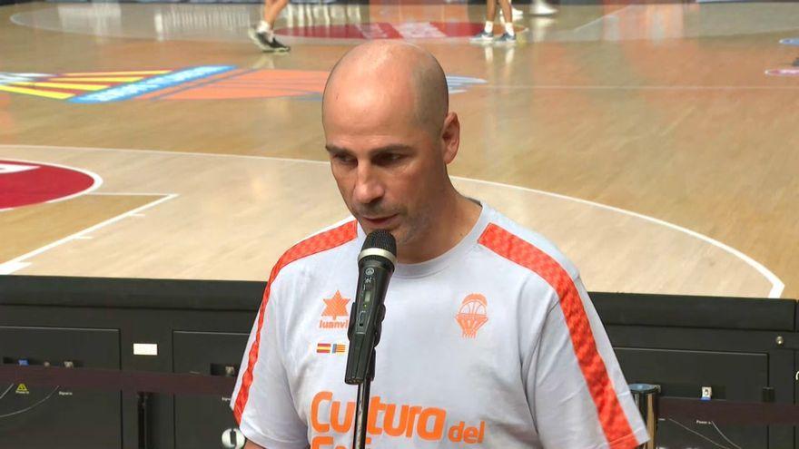 L'entrenador del València Basket, Joan Peñarroya