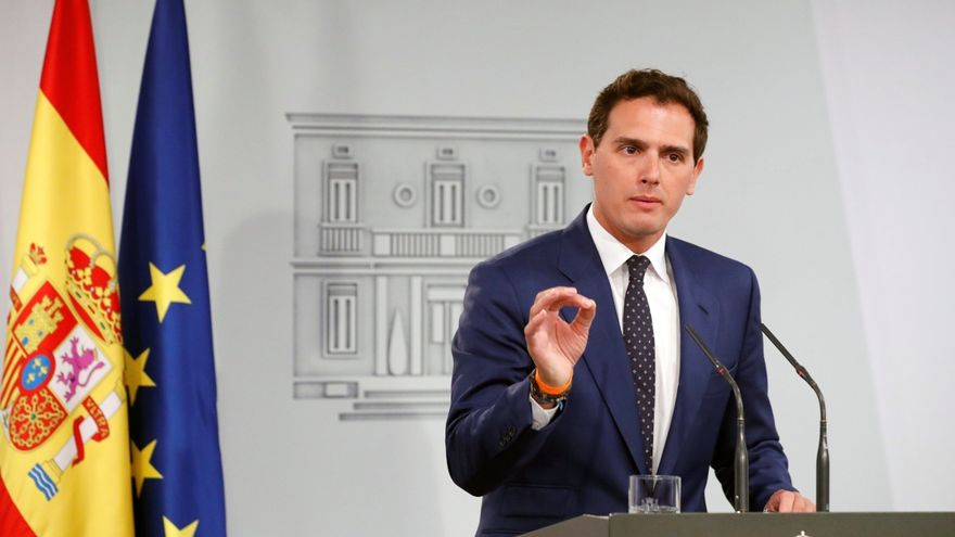 El president de Ciutadans, Albert Rivera, després de la seua reunió a La Moncloa amb Pedro Sánchez